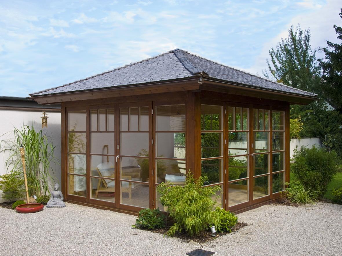 Moderne Gartenhäuser von Blockhausbau Hummel
