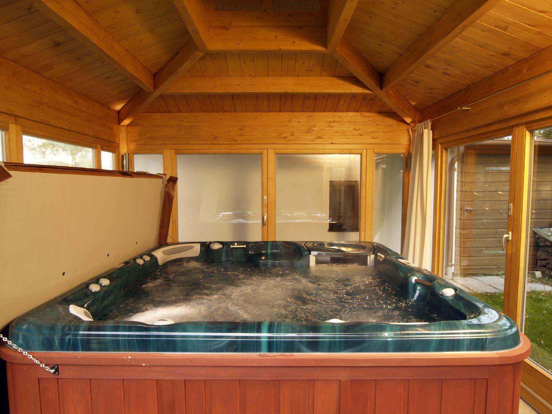 Sauna und whirlpoolh user von blockhausbau josef hummel - Sauna whirlpool ...