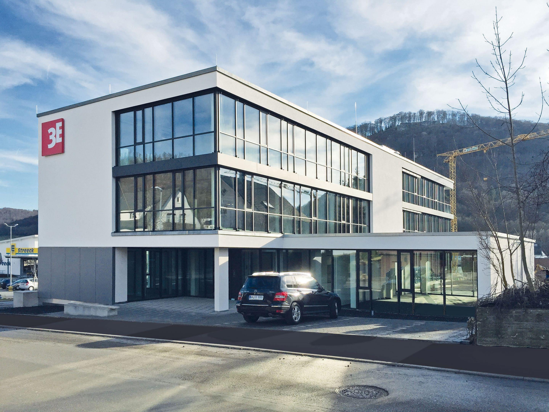 Weiterentwicklung als Philosophie – 3E Datentechnik bezieht Neubau in Oberkochen