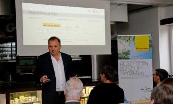 Wärme und Kälte – Gegensätze effizient nutzen: Alois Müller stellt Kraft-Wärme-Kälte-Kopplungsanlage an der Dachser Niederlassung in Memmingen vor