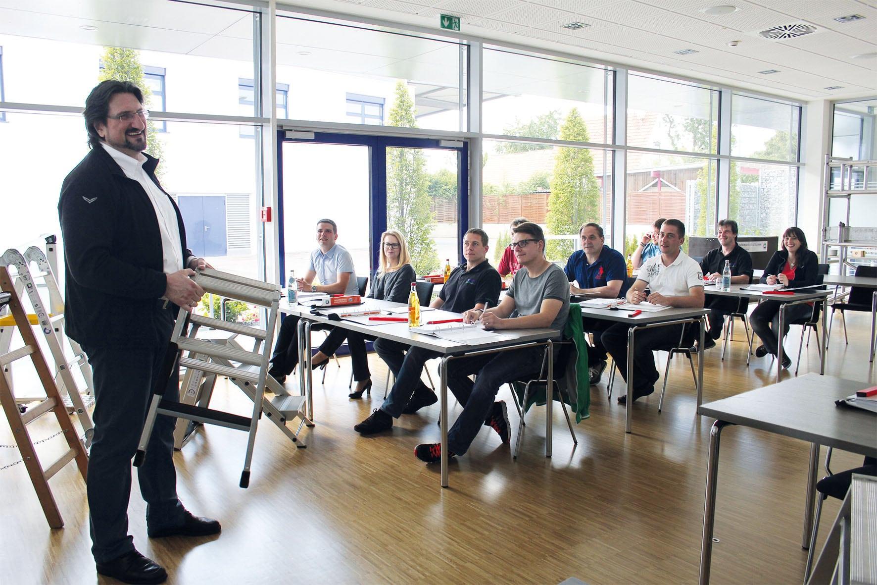 """Ab März wieder """"Fit für Steigtechnik""""  – Günzburger Steigtechnik bildet """"zur Prüfung befähigte Personen"""" aus"""
