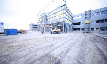 Green Factory 2.0: Wenn Energieeffizienz Gestalt annimmt – Alois Müller feiert Richtfest des weltweit größten nahezu energieautarken Produktions- und Bürogebäudes