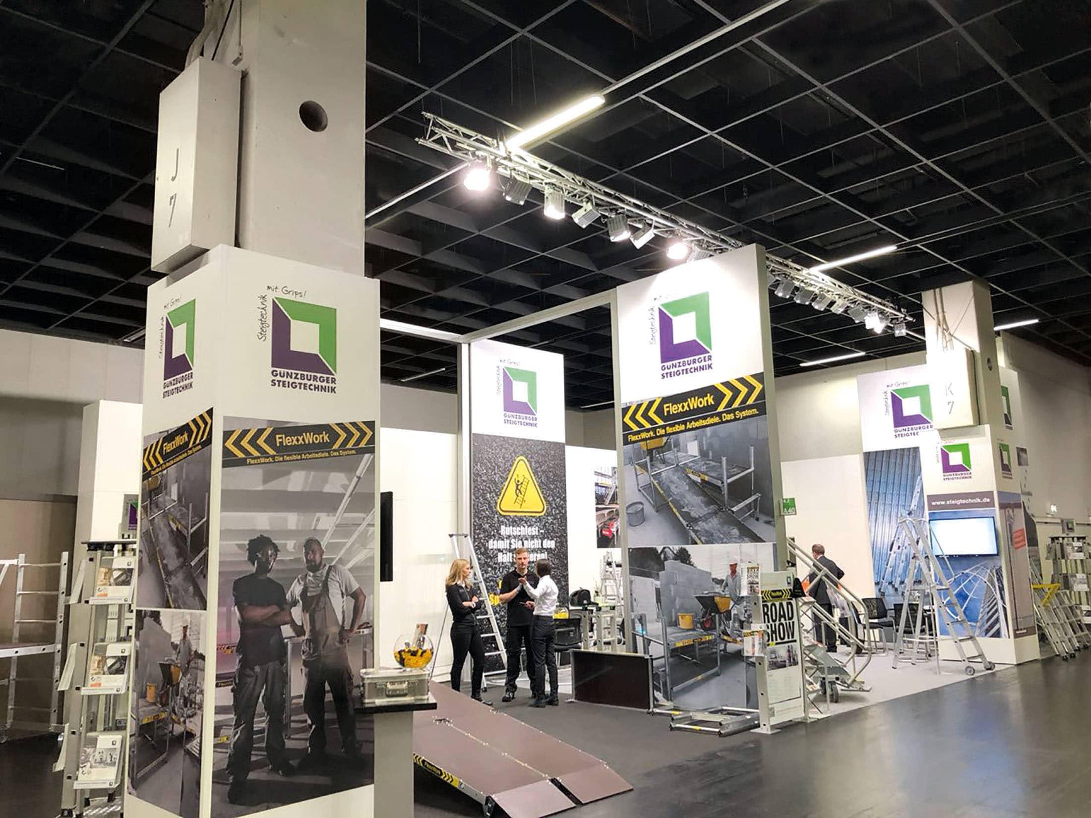 Mit der neuen FlexxWork die Eisenwarenmesse gerockt – Die Günzburger Steigtechnik präsentierte in Köln ihr neues flexibles Arbeitsdielen-System