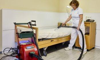 Pflegebranche setzt auf chemiefreie Reinigung – Großer Andrang am Messestand von beam bei der Altenpflege 2018 in Hannover