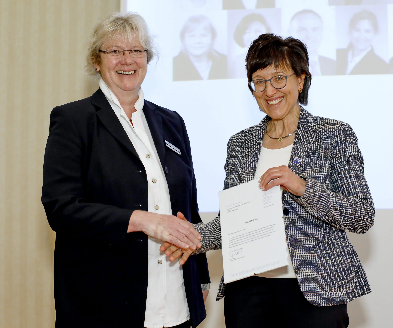 Hygiene-Expertise im Doppelpack – Deutsches Beratungszentrum für Hygiene (BZH) ist Kooperationspartner der KDS Services für Pflege und Gesundheit