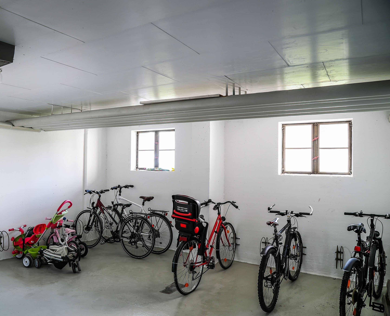 Keine Kompromisse bei Qualität und Sicherheit – Die Sozialbau GmbH aus Kempten setzt bei der Bestandssanierung auf die Kellerdecken-Dämmung von JOMA