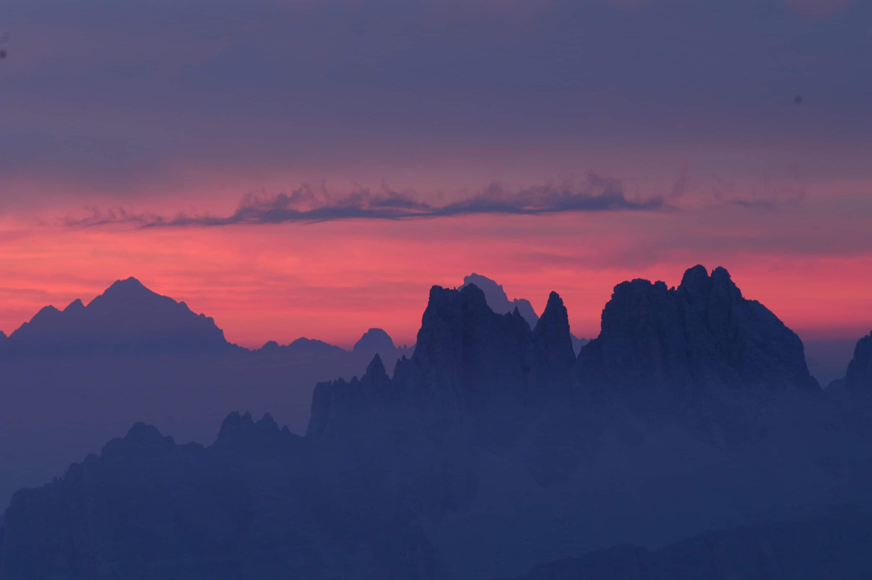 Wandern unter dem Sternenhimmel – Cortina d'Ampezzo: 24-Stunden-Tour durch die UNESCO-Dolomiten ist für Wanderer ein Erlebnis der besonderen Art