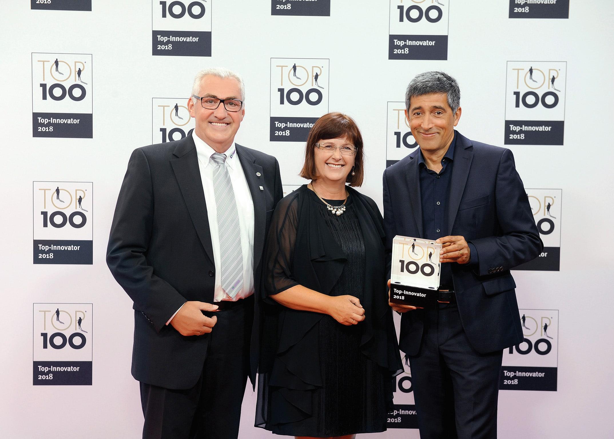 Erfolg bei TOP 100: Günzburger Steigtechnik gehört zu den Innovationsführern 2018 – Günzburger Steigtechnik zum vierten Mal in Folge ein TOP 100-Innovationsführer des deutschen Mittelstands