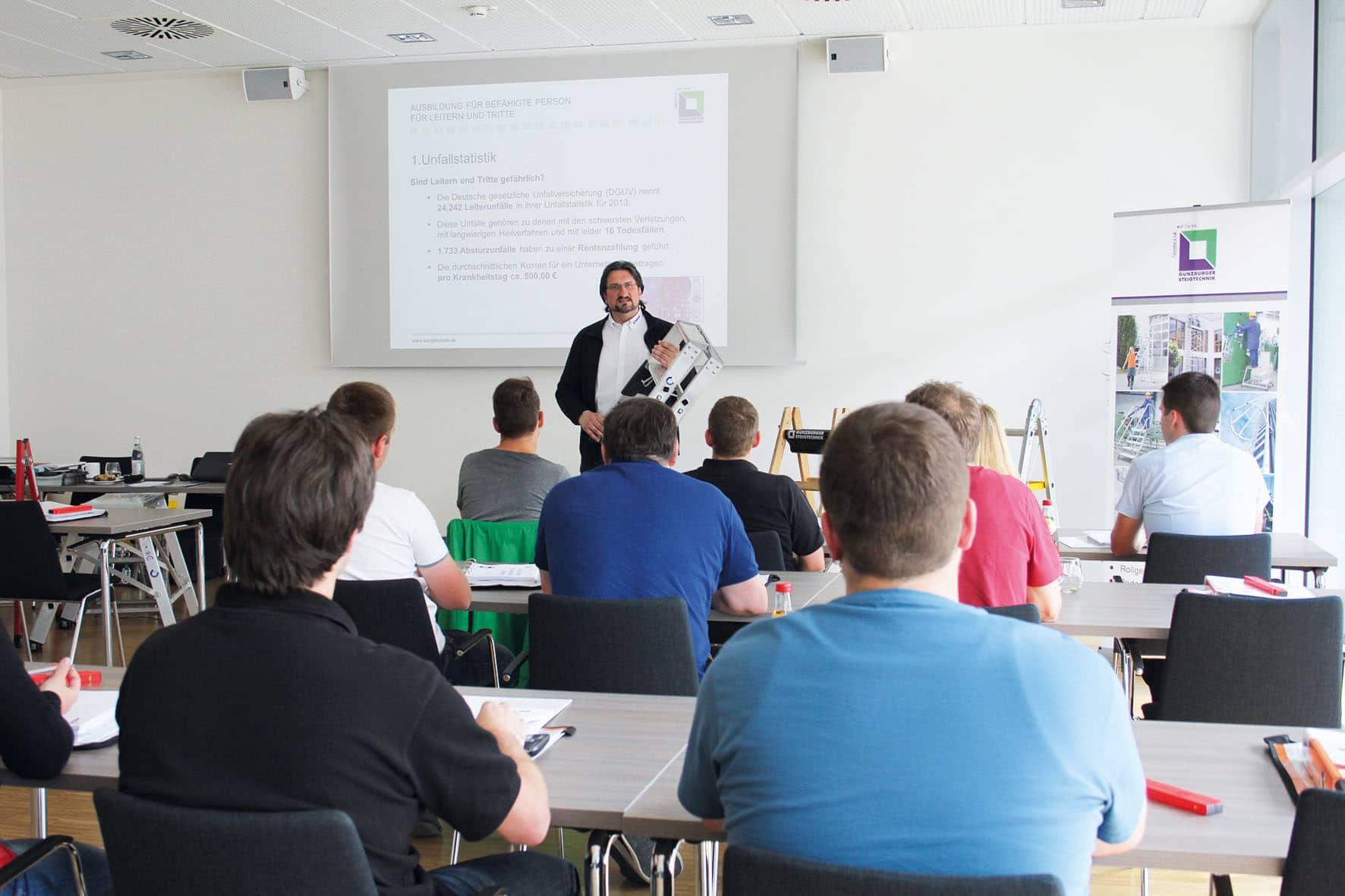 """Ab Herbst wieder """"Fit für Steigtechnik"""" – Günzburger Steigtechnik bildet """"zur Prüfung befähigte Personen"""" aus"""