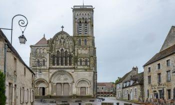Wallfahrtsort erstrahlt in neuem Glanz – Basilika in Vézelay mit Trass-Baustoffen saniert
