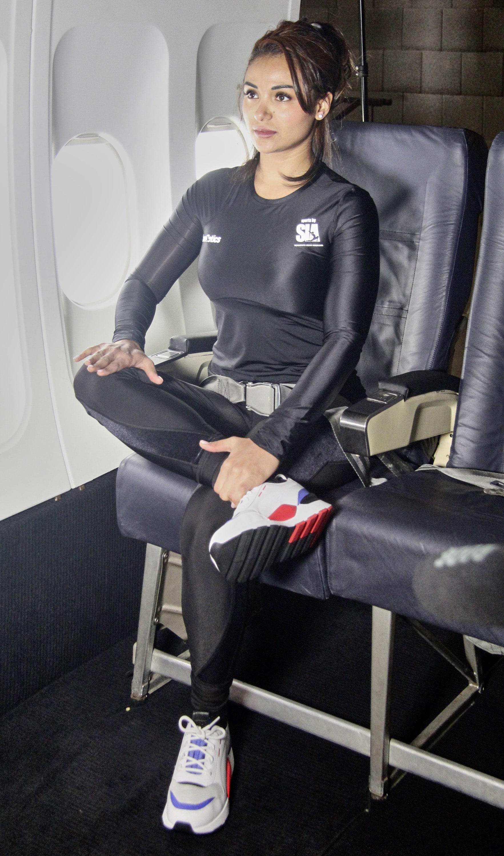 Sport über den Wolken – Travelletics: Mit der ersten internationalen Sport-App fürs Flugzeug machen Reisethrombose und Rückenschmerzen den Abflug