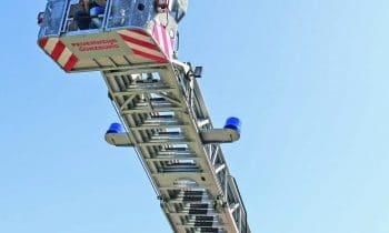 Rettungskräfte und Technik hautnah erleben: Der 1. Auracher Rettungstag der Günzburger Steigtechnik ist ein Innovations- und Trainingstag für Blaulichtorganisationen –  Erlebnis für die ganze Familie