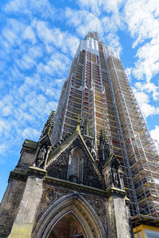Die Spuren der Zeit bewahren – 40 km neue Fugen für den Turm von St. Nikolai