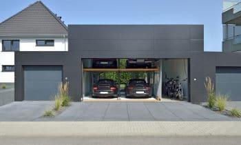 MultiBase 2072i: Young- und  Oldtimer intelligent parken – Thomas Dederichs setzt bei der Unterbringung seiner Liebhaber-Fahrzeuge auf das innovative Parksystem von KLAUS Multiparking