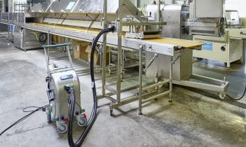 Reinigungspower von beam fürs Bäckerhandwerk – Neu auf der Südback: Bayerischer Qualitätshersteller präsentiert mit dem BEbelt und dem Blue Evolution XXL einzigartige Produkte für eine effiziente Reinigung von Förderbändern und Maschinen