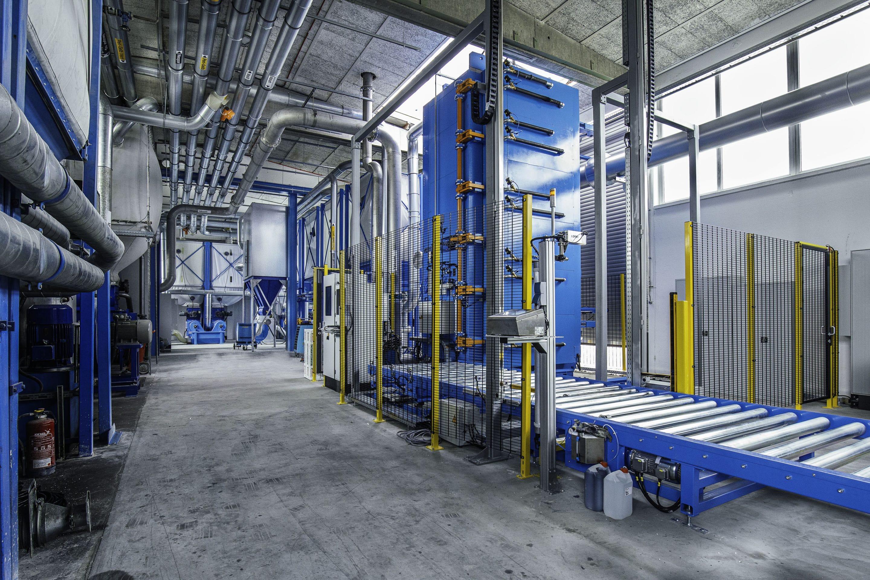 Investition in die Kapazität, Qualität und Zukunft – Dämmstoffspezialist JOMA steckt rund eine Million Euro in eine neue Blockformanlage am Standort Holzgünz