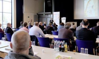 Klimawandel: So werden Gebäude fit für die Zukunft – 5. Forum Holzbaukompetenz der Schwenk Putztechnik widmet sich dem Thema Nachhaltigkeit