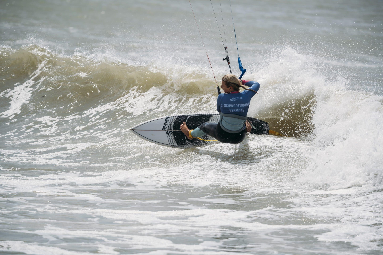 Susanne Schwarztrauber knapp an der Sensation vorbei – Rang sechs beim Kitesurfweltcup in Dakhla
