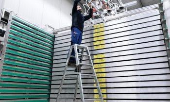 Der neue nivello begeistert die Fachwelt – Leiterschuh der Günzburger Steigtechnik punktet mit 2-Achsen-Neigungstechnik im Gelenk und wechselbaren Fußplatten