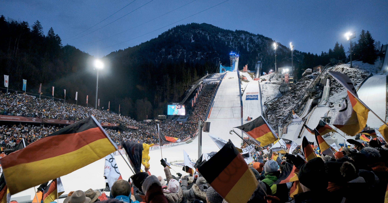 WM-Skisprung-Arena präsentiert sich im modernen Outfit – Mehr Komfort für Athleten beim Auftaktspringen der Vierschanzentournee in Oberstdorf