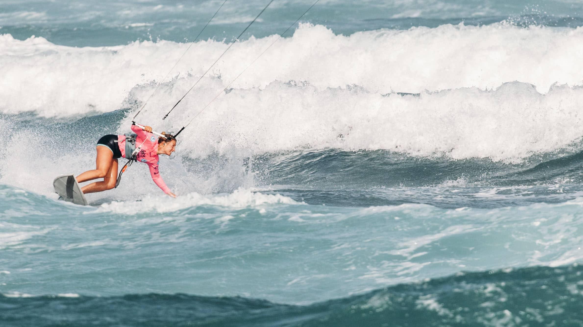 Schwarztrauber startet mit Rang neun: Gute Performance der Kitesurferin auf den Kapverden