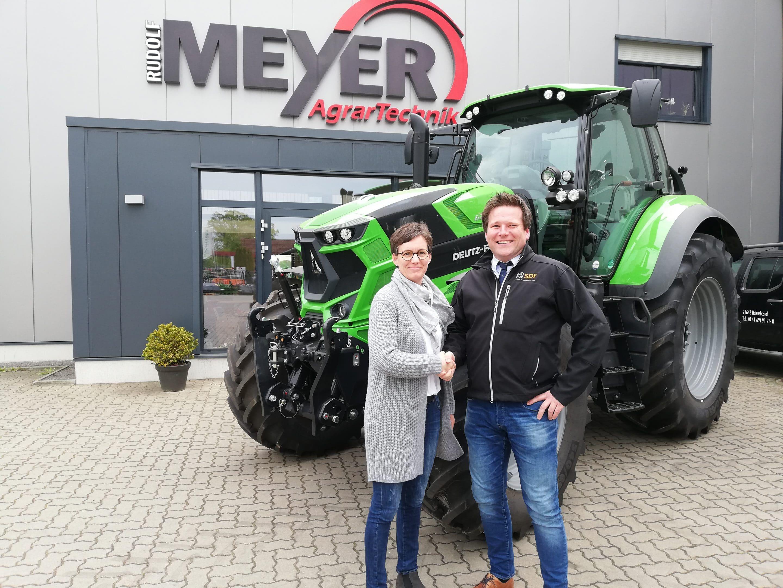 Rudolf Meyer Agrartechnik fährt auf Deutz-Fahr ab