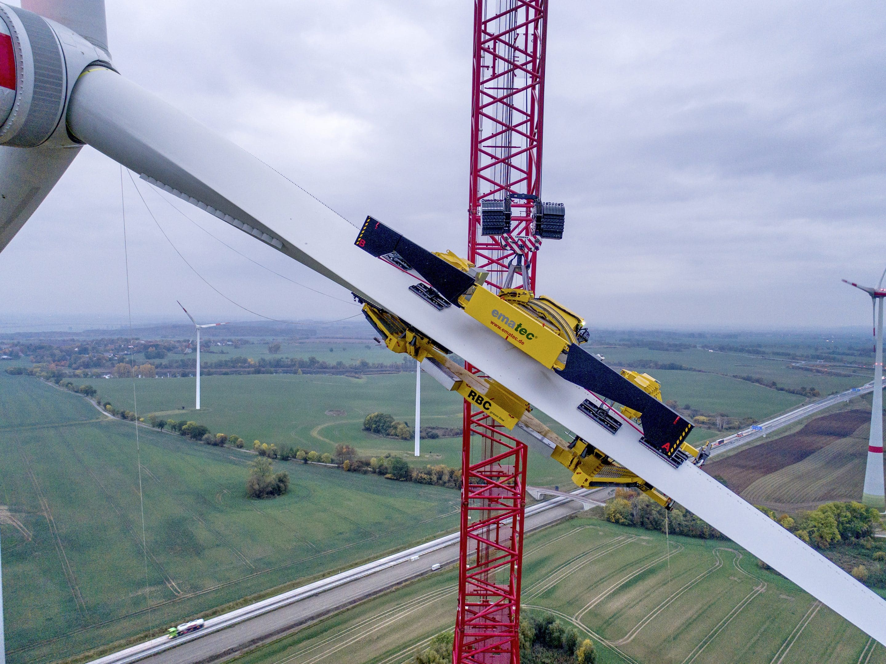 Emission-free: Enercon is the first one to use the new way of rotor blade assembling